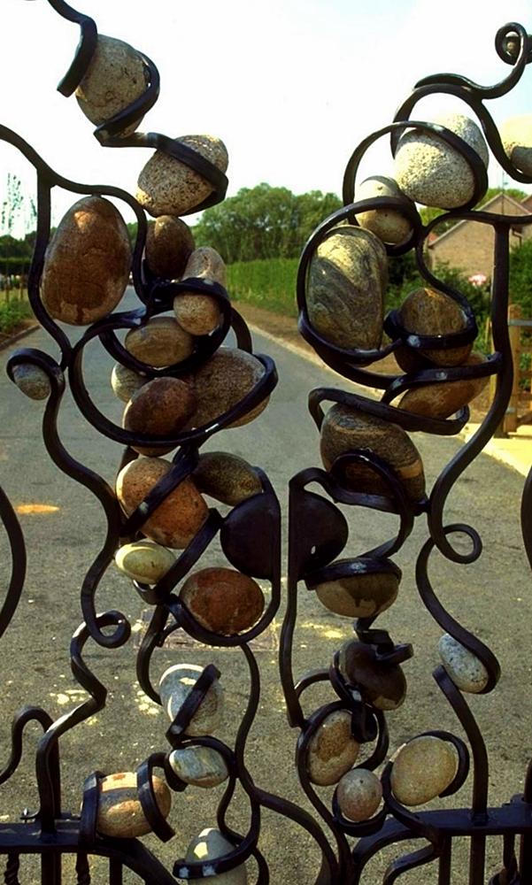 Stonefall gates